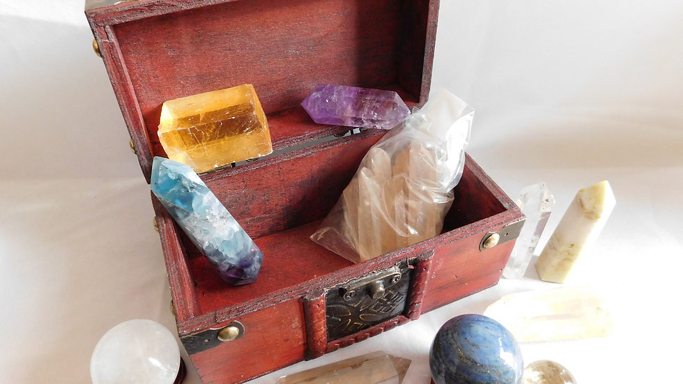 Faux Aged Wood, Brass Treasure Chest Trunk with 11 Crystal Specimens (878g)