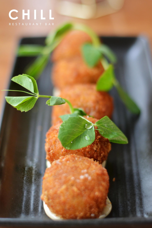 Arancini_–_mushroom_–_truffle_mayo_-_lit