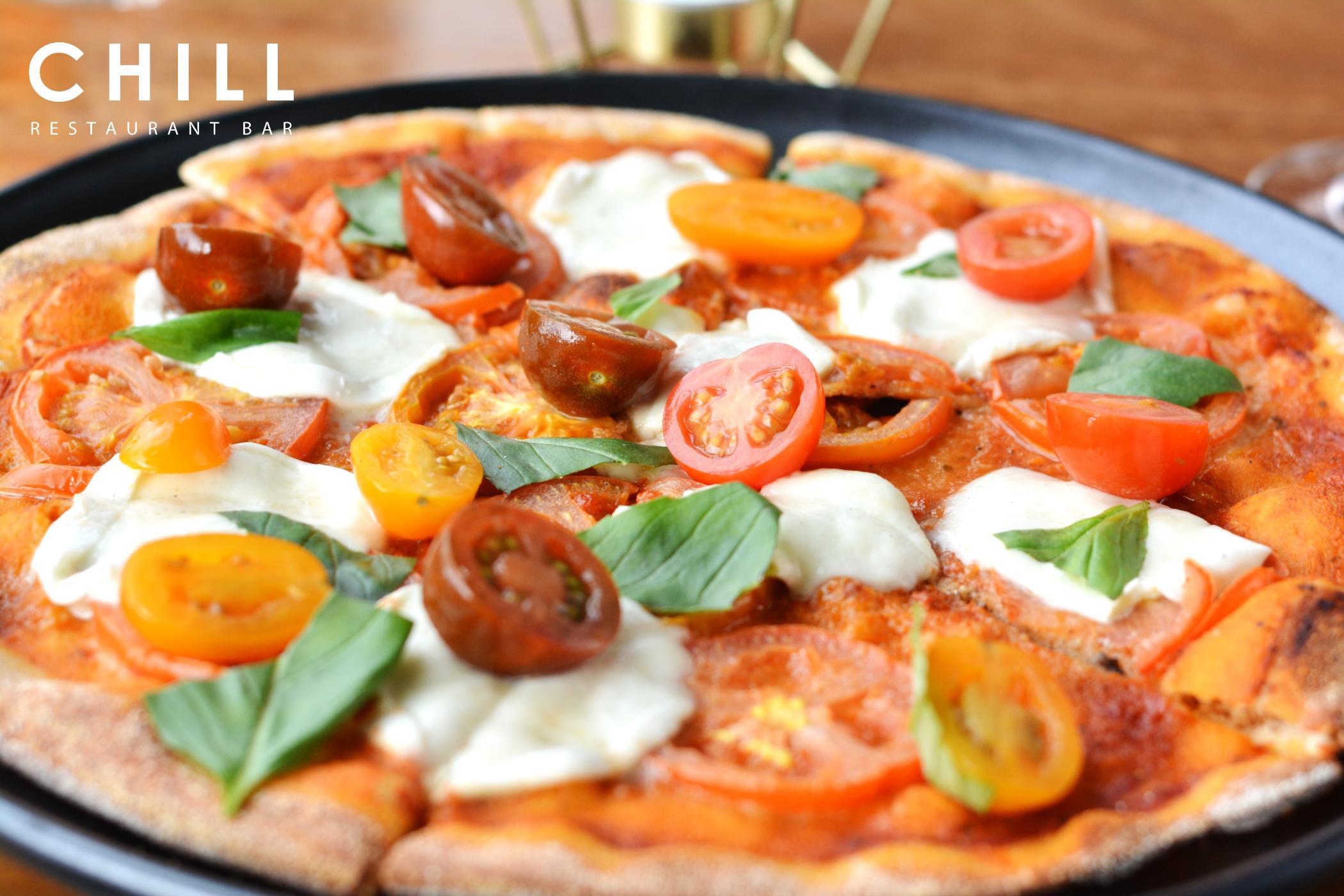 Margherita_–_tomato_–_mozzarella_–_basil