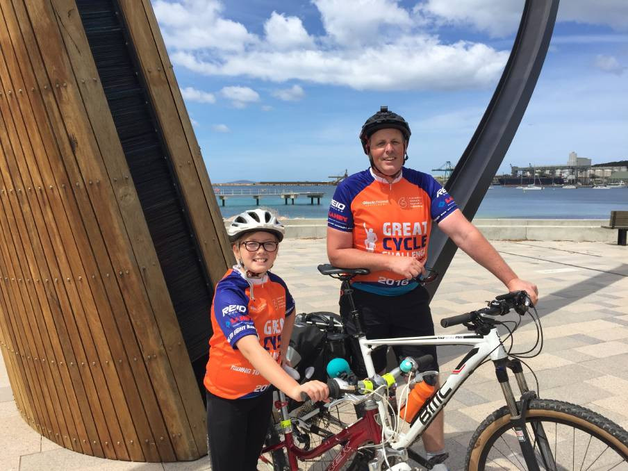 Imogen and Andrew Kuipers riding for the Great Cycle Challenge GCC
