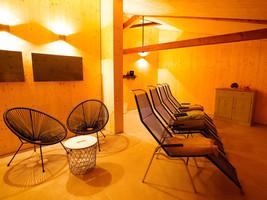 12-Sauna-Ruheraum-leer-SM.jpg