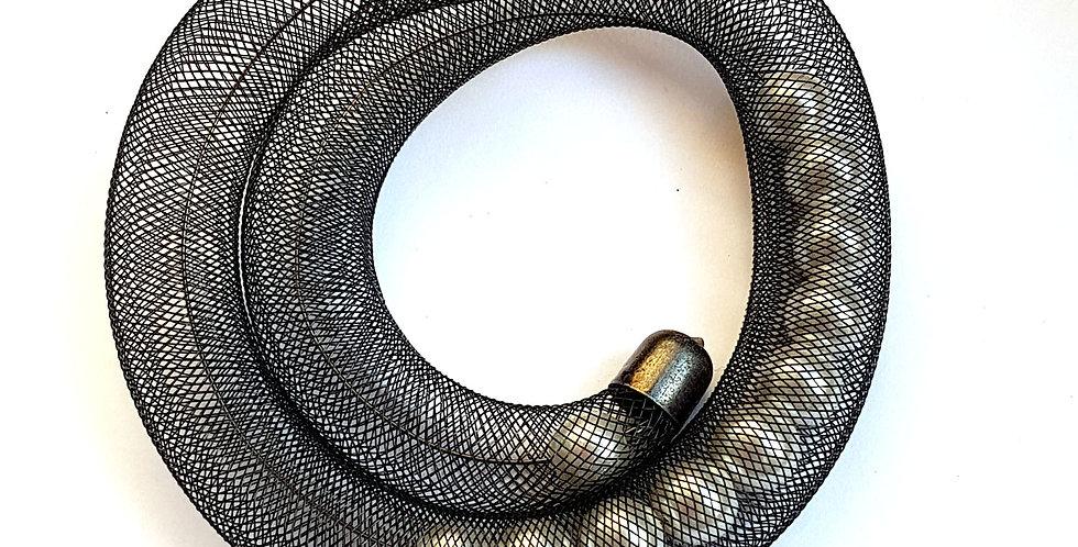Браслет Удачный улов черно-белый