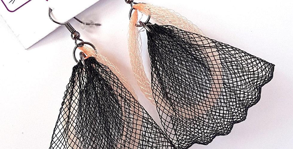 Серьги из сетки Лилия двойные черно-бежевые