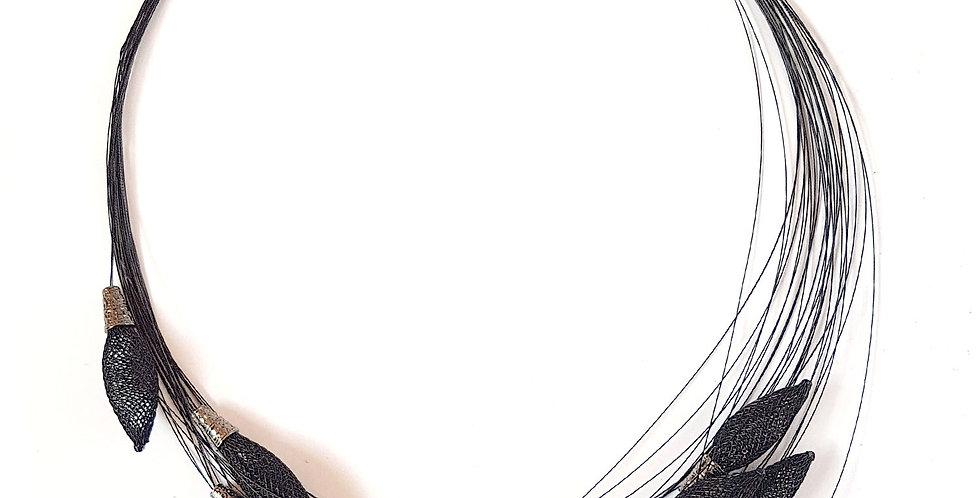 Ожерелье из сетки Орбиты черный