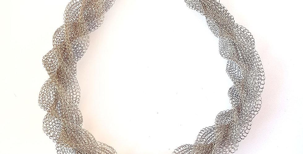Ожерелье из проволоки Перекрут
