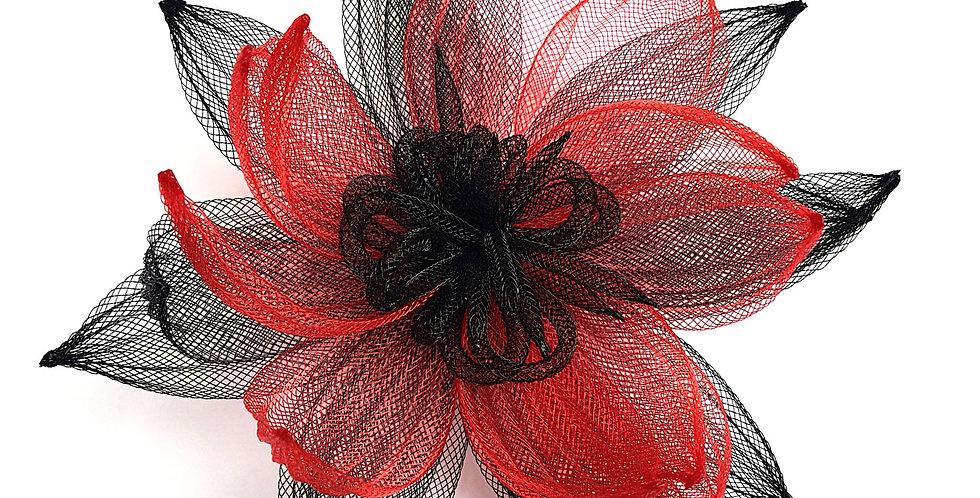 Брошь из сетки Большой цветок черно-красная