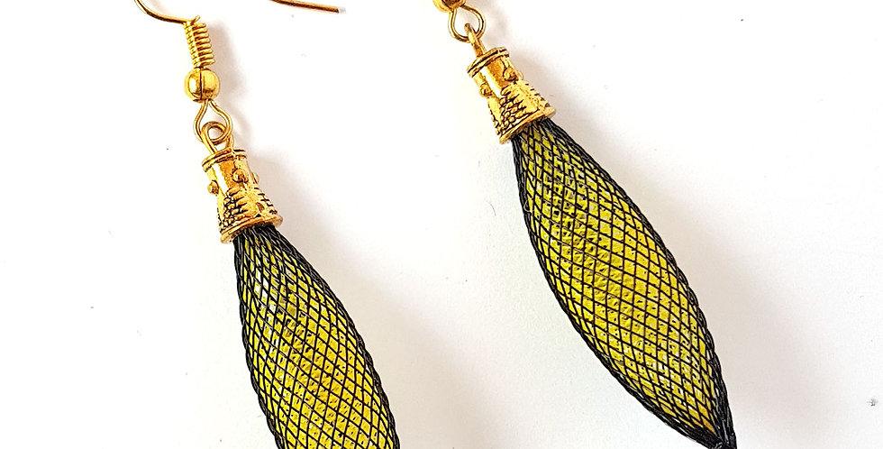 Серьги из сетки Кокон черно-желтые под золото
