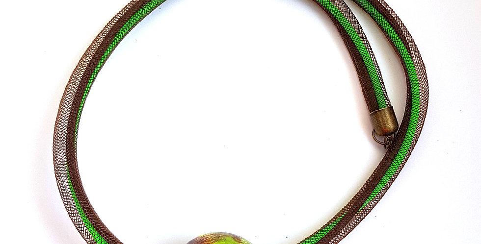 Колье из коричневой сетки с керамической бусиной Соло