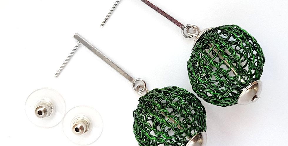 Серьги из проволоки Шарики зеленые