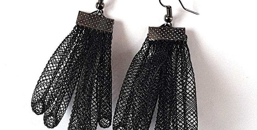 Серьги из сетки Клубок черные