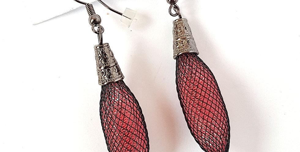 Серьги из сетки Кокон черно-пуншевые