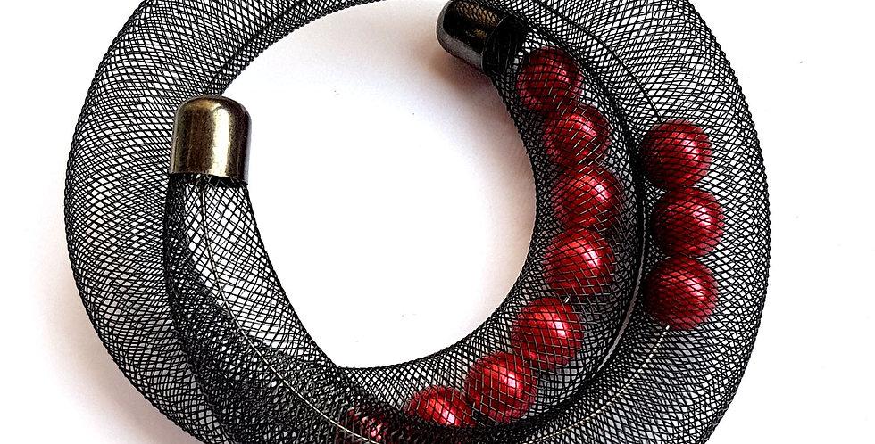 Браслет Удачный улов черно-красный