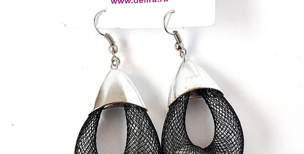 Серьги Удачный улов черные с белой бусиной под серебро