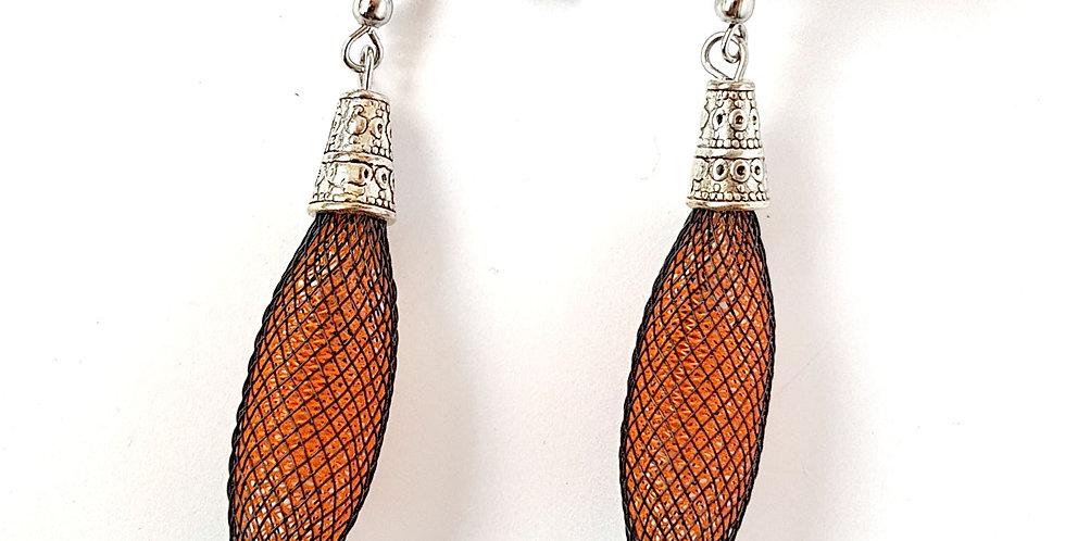 Серьги из сетки Кокон черно-оранжевые