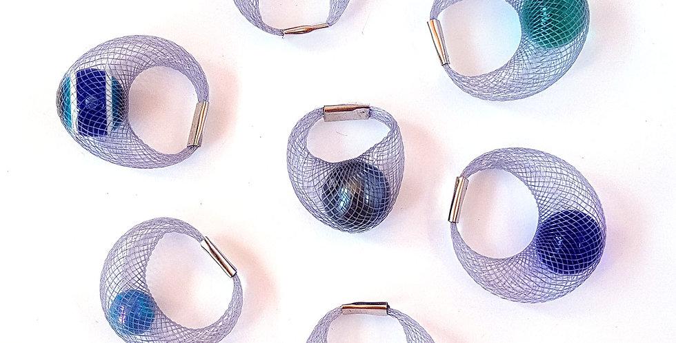 Кольцо из сетки Спутник серое