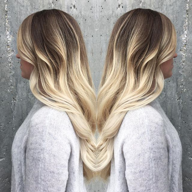 Seriously, her hair! _#MODERNSALON #OLAPLEX #yegstylist #yegsalon #balayage _modernsalon _olaplex