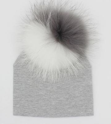 *SOLD* Pom Pom Hat: Designed by @evesiouni