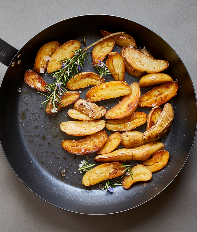 FINGERLING POTATOES WITH ROSEMARY