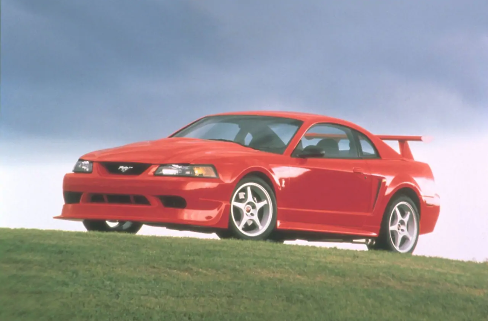2000 Cobra R    Image by Ford