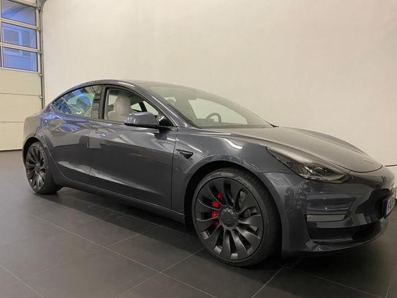 Tesla Model 3 Performance Grau