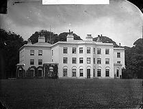 Vaynol Hall.jpg Site of the first retriever field a N