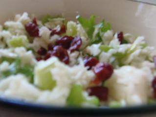 סלט כרוב וסלרי דיאטטי (8 מנות כ- 50 קלוריות למנה)