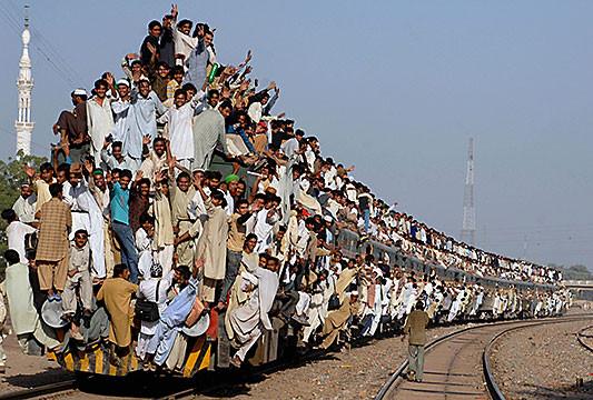 packed-train-pakistan.jpg