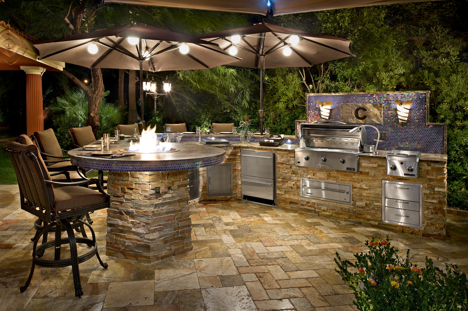 Outdoor Kitchen Custom