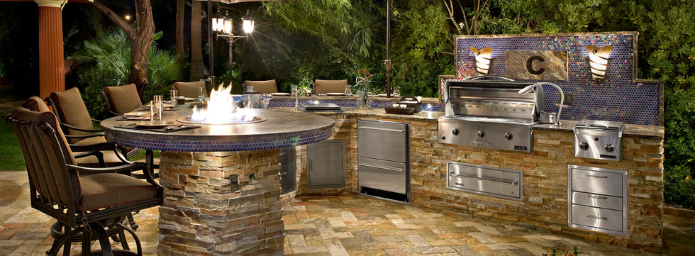 Outdoor kitchen, custom