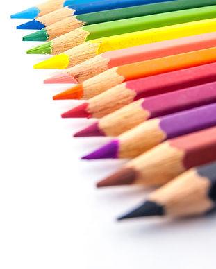 Fila de lápices de colores