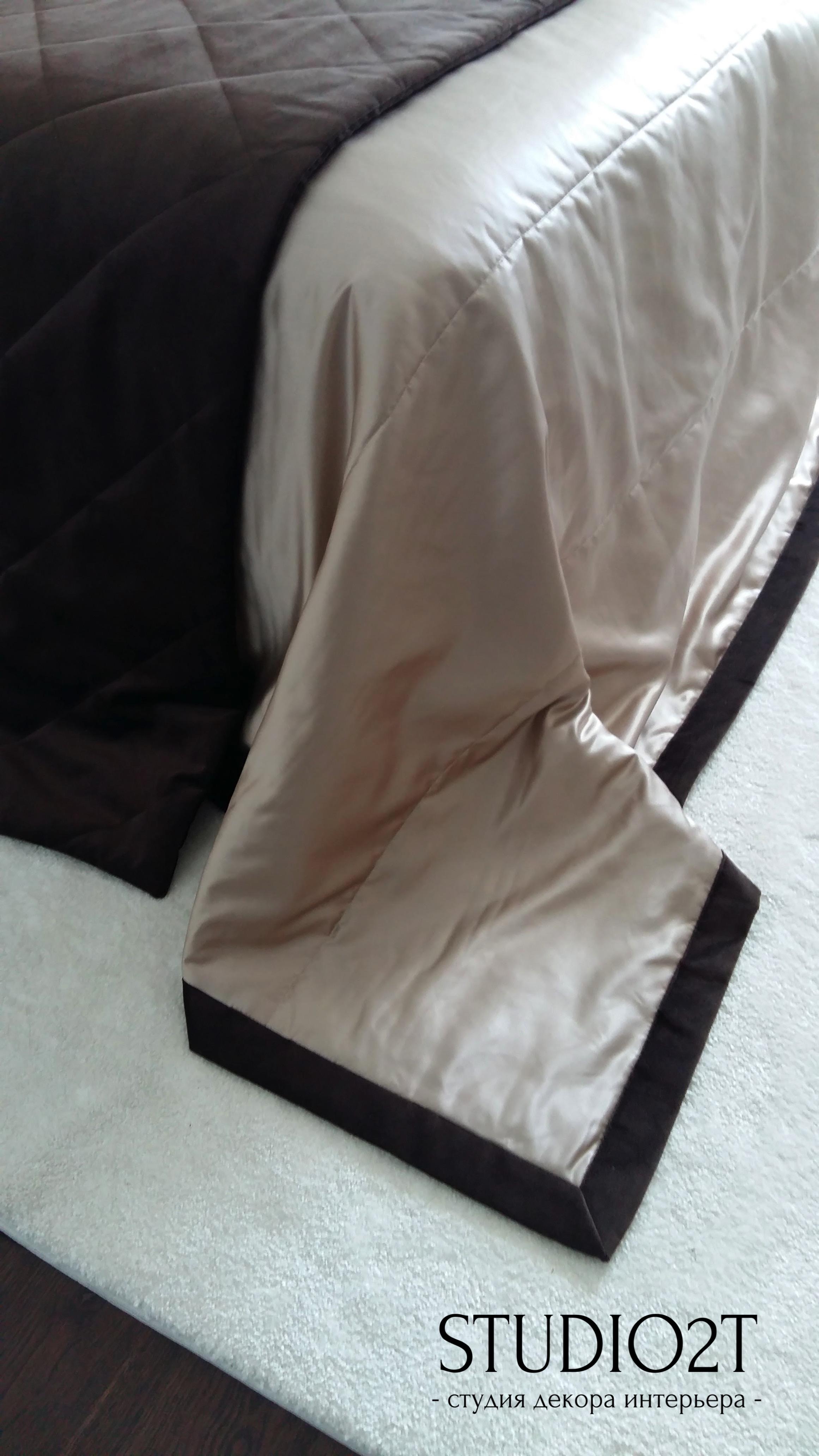 Шелковое покрывало на кровать