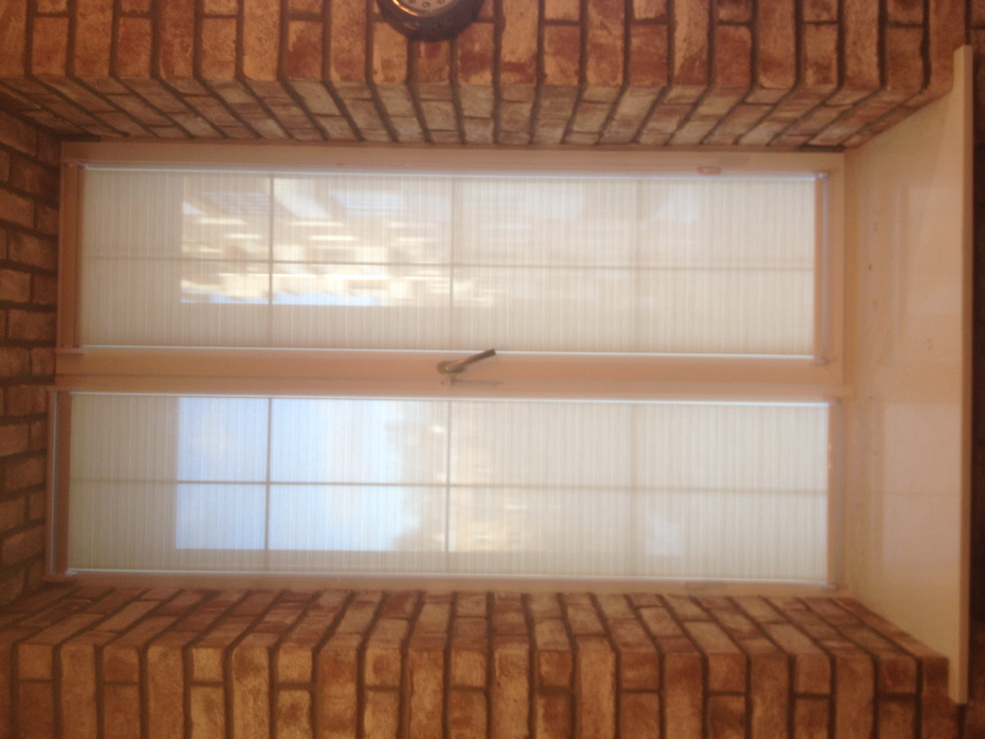 Рулонные шторы в гостиной | Studio2T