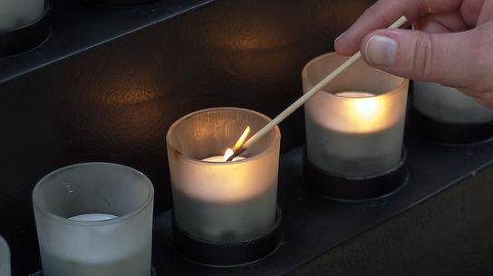 candle-934651_1280.jpg