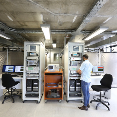 MeerKAT Receiver FAT Facility