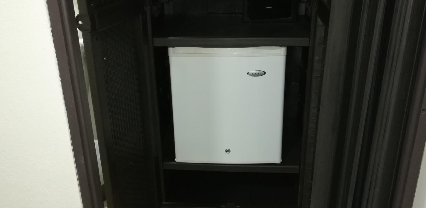 Closet y mini refirgeradora