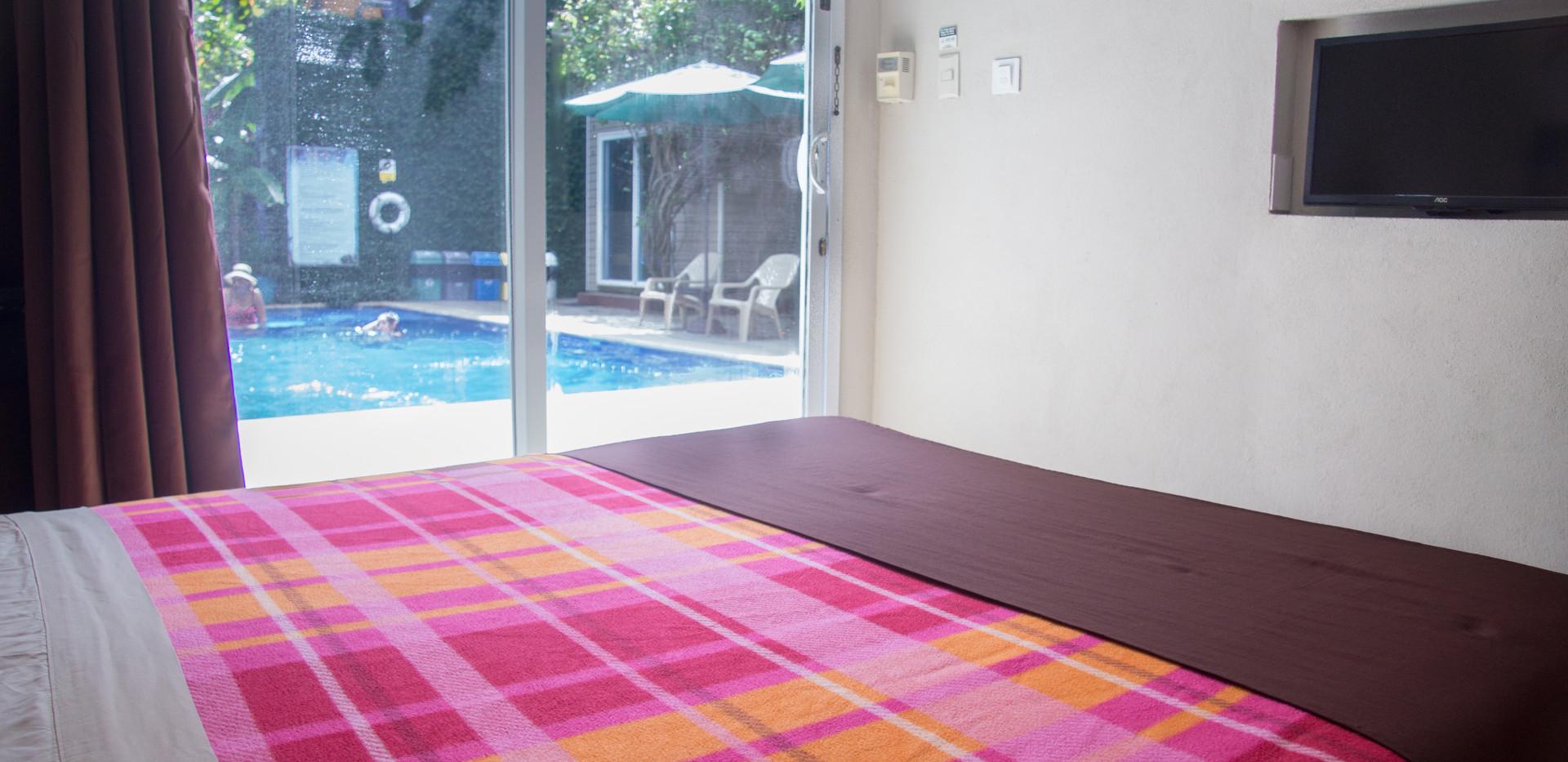 Habitación básica área de piscina
