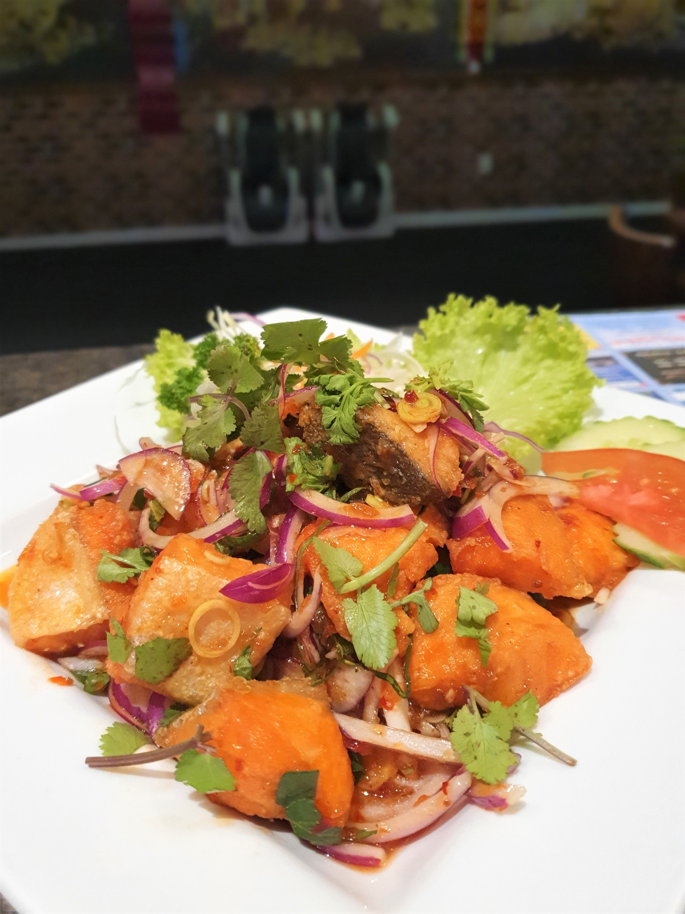 SF5 Thai Salmon Salad
