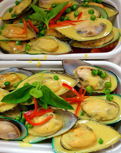 SF2 Mussels with Green Curry