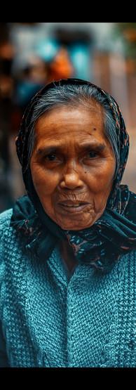 Prodavačka náramku - Hoi An , Vietnam
