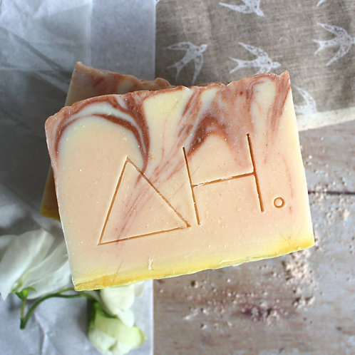 Pink clay soap - Authentic House
