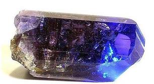坦桑石 (丹泉石) Tanzanite