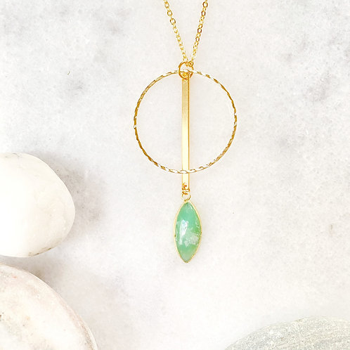 Long Gold Green Agate Pendant Necklace