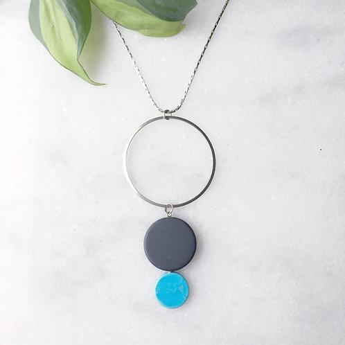 Three Link Pendant Necklace