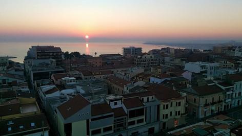Veduta di Termoli all'alba.