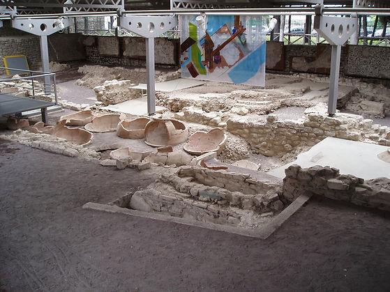 Roccavivara_areaarcheologica.JPG