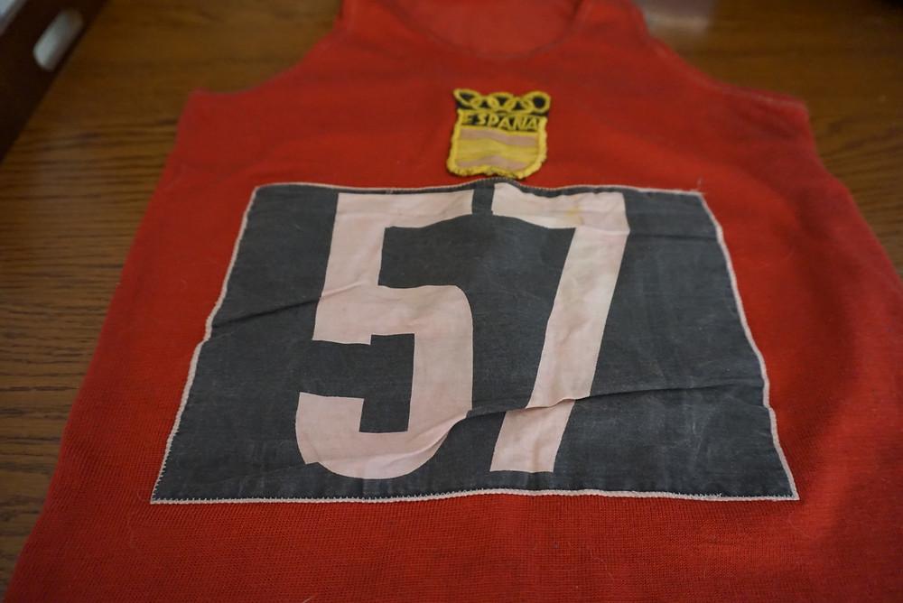 La camiseta de Miquel Navarro con la que corrió la Maratón de Roma 1960