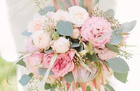 Pink-rose-grey-euclayptus_800px.jpg