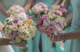 Closeup-of-beautiful-fresh-wedding-noseg