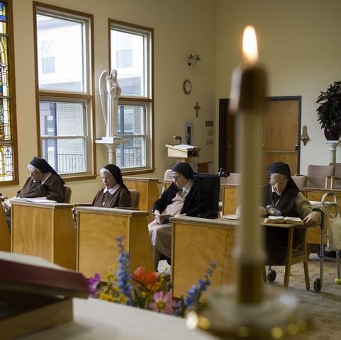 liturgyofhours.JPG