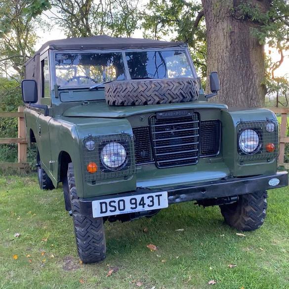 1979 Series 3 109 petrol